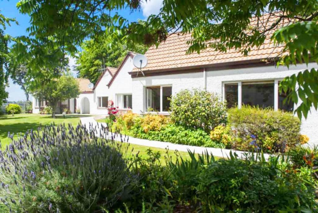 Picturesque gardens surround the villas at Abingdon Village.