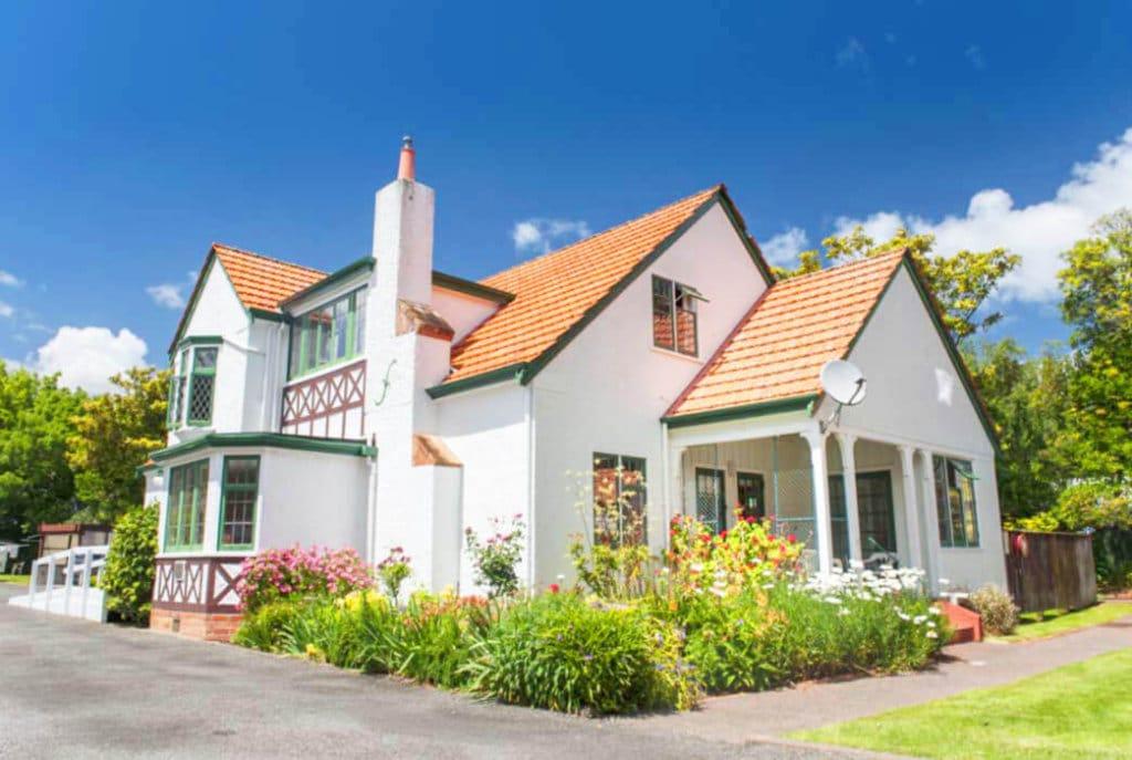 The villas at Abingdon Village surround the historic Abingdon House – the villages community centre.